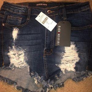 BRAND NEW Fashion Nova denim shorts